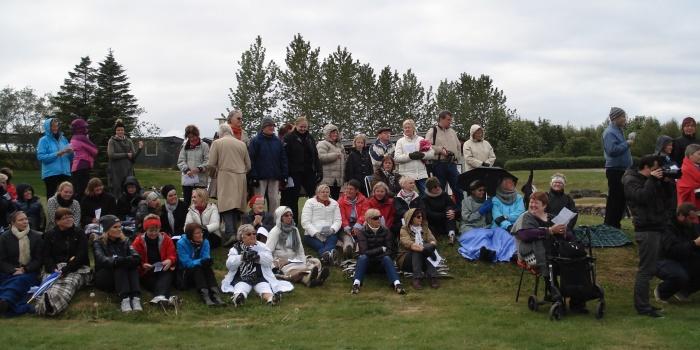 Messa við Þvottalaugarnar í Laugardal 19. júní 2004